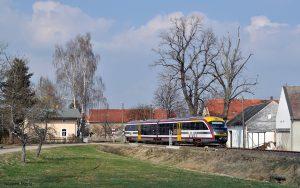 Siemens Desiro Dieseltriebwagen der Baureihe 642 der Städtebahn Sachsen.