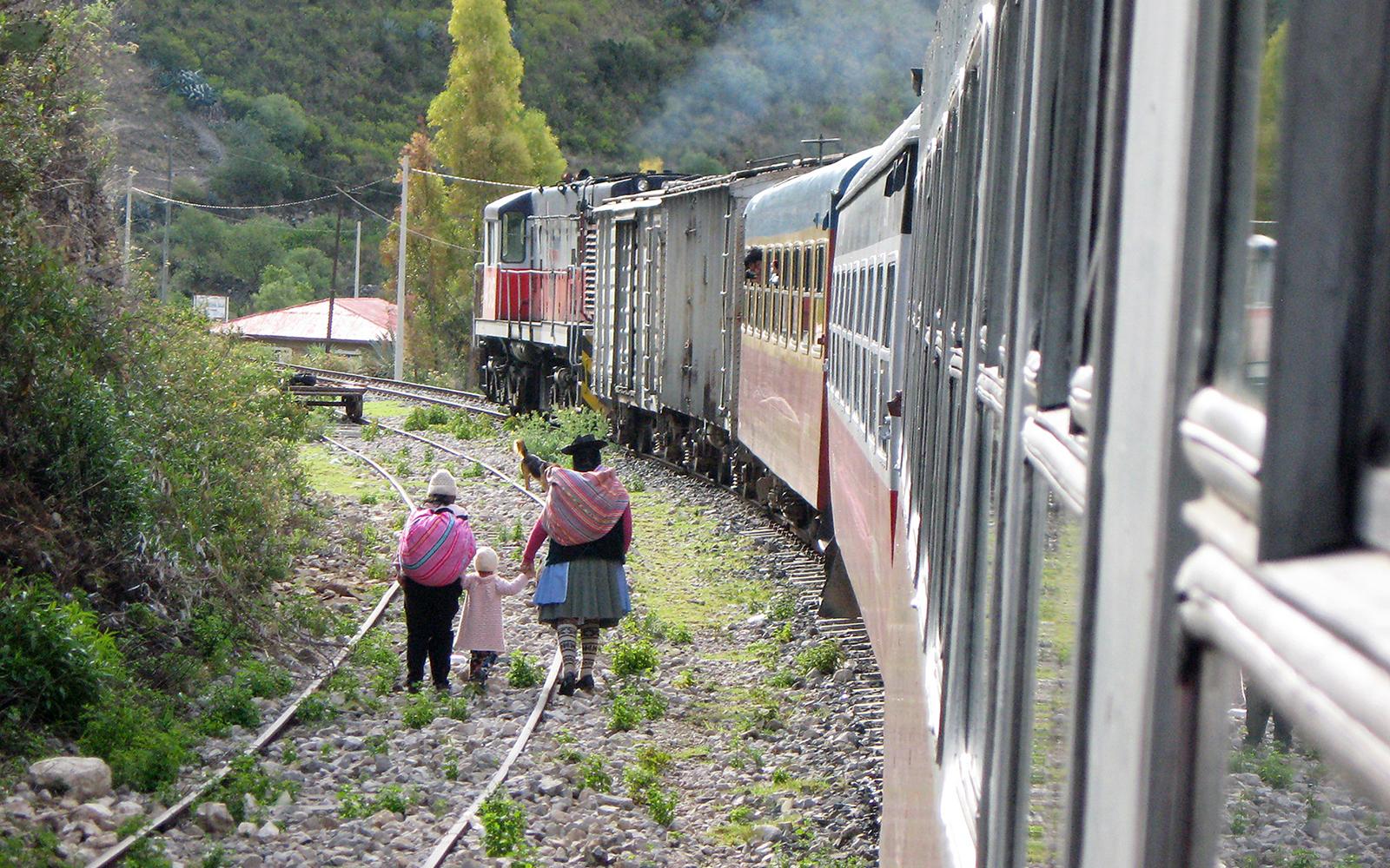 ©Foto: Railmen-Lokführer Jörg Watzek ist im Urlaub auf der ganzen Welt unterwegs. Hier hat er denberühmten Tren Macho fotografiert. Der braucht über die Anden 6 Stunden für 129 Kilometer durch 38 Tunnel und führt maximal 35 Kilometer pro Stunde. In der Regel aber ist er viel langsamer.