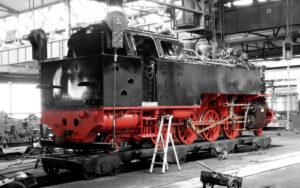 Tenderlokomotive im Werk