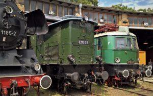 Güterzuglokomotive E95 02 BJ 1927 sowie die E18 31 BJ 1937 im DB Museum Halle
