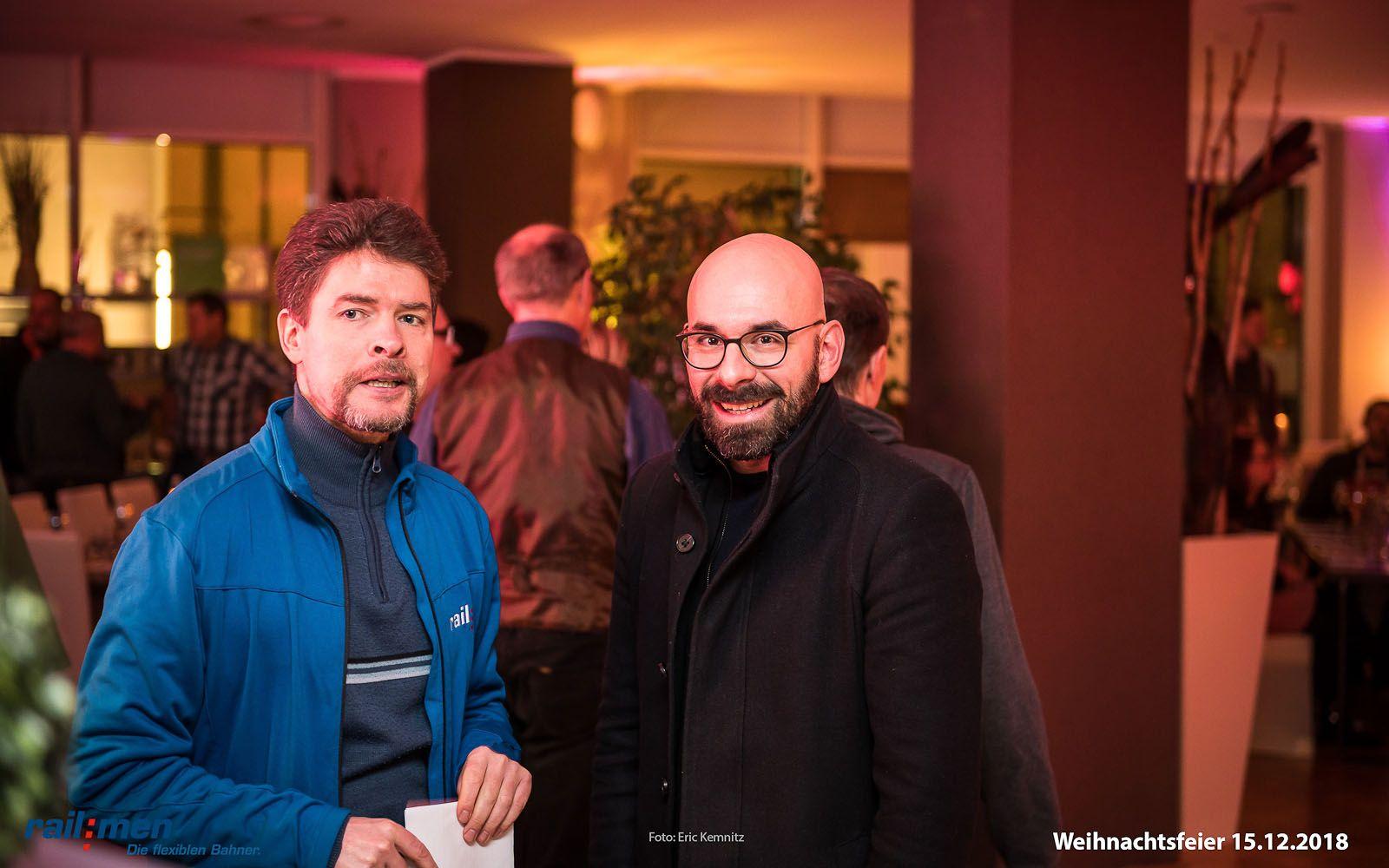 Railmen Geschäftsführer Andreas Schreiber bei der Feinabstimmung mit dem Moderator des Abends
