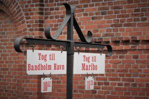 Historische Anzeigetafeln der Museumsbahn Maribo-Bandholm