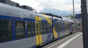 Blau-Gelb-Grauer Flirt 3 (Baureihe 1430/1427) von Stadler