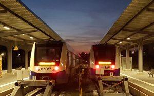 Frontalaufnahme zweier ERIXX Triebwagen