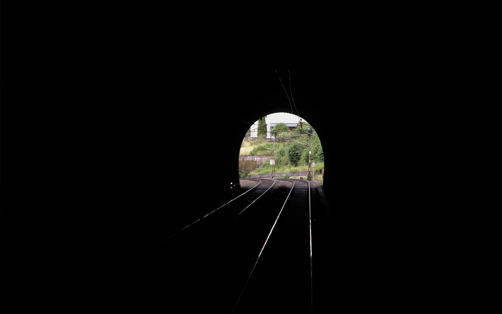 ©Foto: Denis Herwig | railmen | Lokführer im Dienst für InfraLeuna | Blick aus dem Hönebachtunnel bei Wildeck-Hönebach