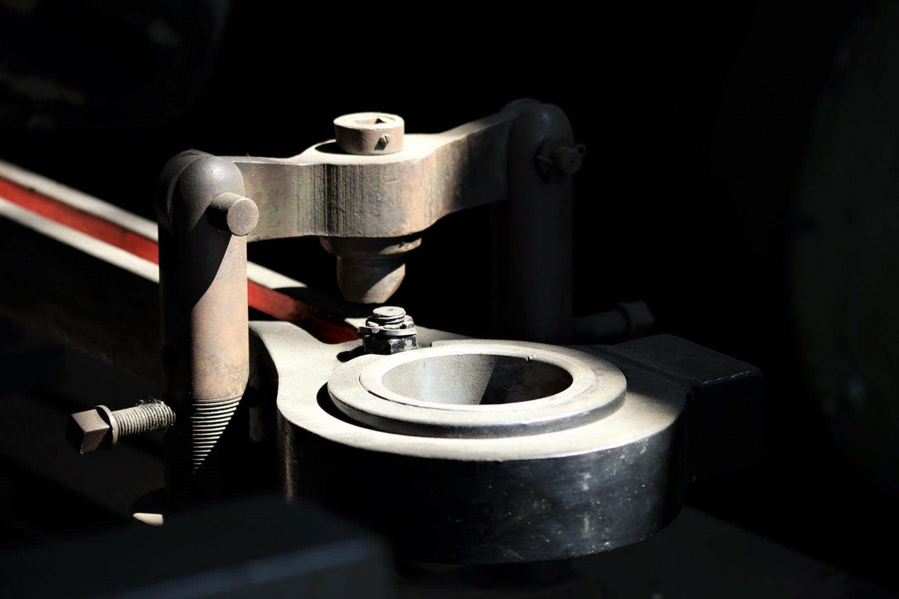 ©Foto: Christian Wodzinski | railmen | Zur Museumswerkstatt im Bahnbetriebswerk gehört u.a. ein Strassmann-Bohrwerk, auf welcher die Lager von Treib- und Kuppelstangen ausgebohrt werden können.