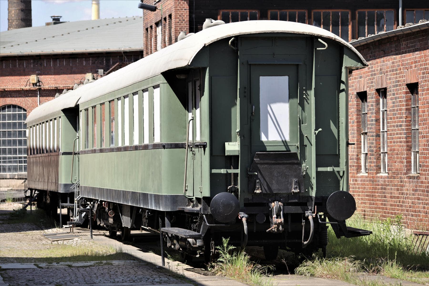 ©Foto: Christian Wodzinski | railmen | Zwei ausgemusterte Personenwagen bieten Raum für Modellbahnanlagen, die an ausgewählten Tagen besichtigt werden können