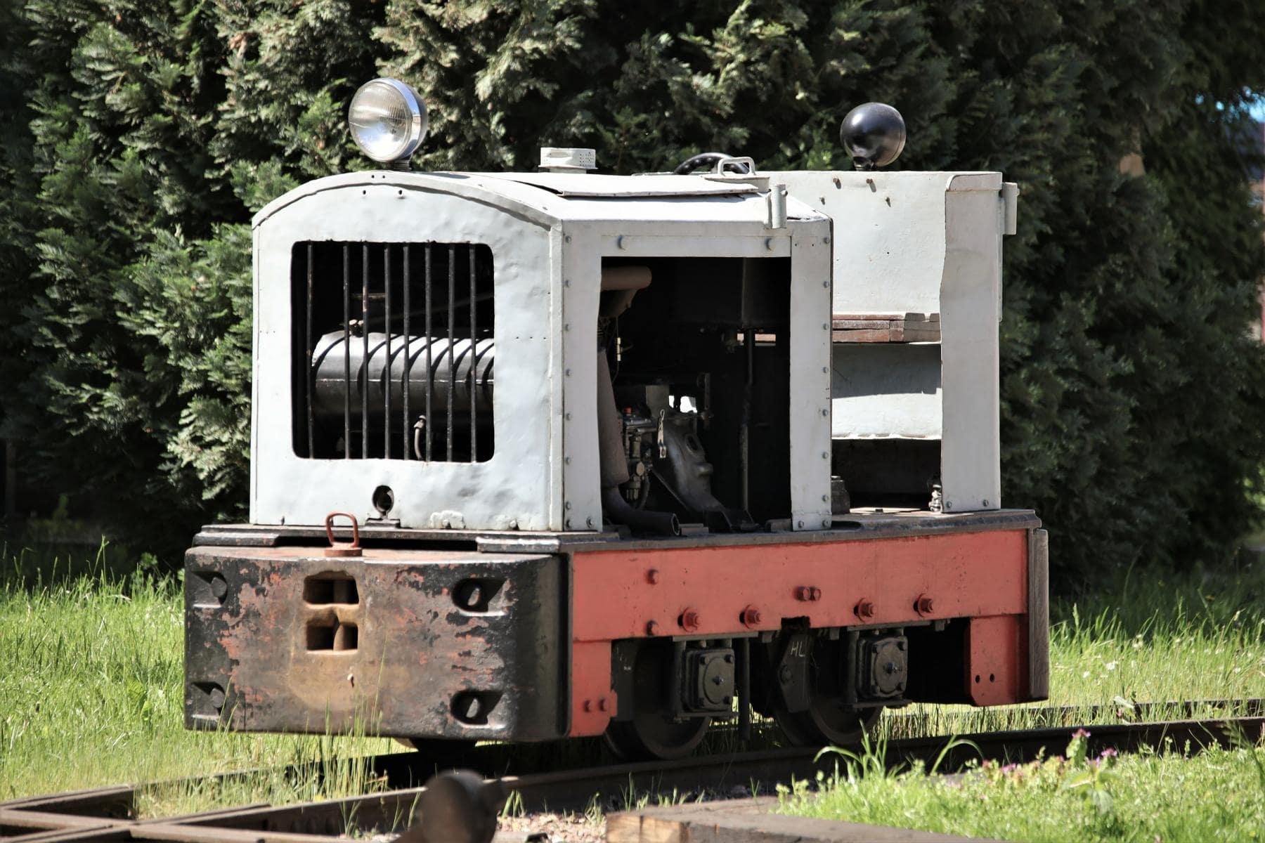 ©Foto: Christian Wodzinski | railmen | Zum Museum gehört ebenfalls eine Feldbahnanlage. Hier wartet eine Lok vom Typ Ns 1 aus dem Lokomotivbau Karl Marx Babelsberg auf den nächsten Einsatz.