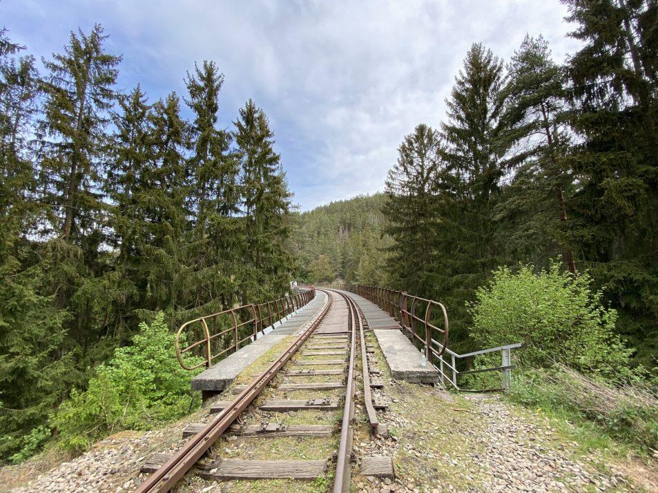 ©Foto: Jan Krehl | railmen | Auf den Gleisen der Ziemestalbrücke im Thüringer Schiefergebirge