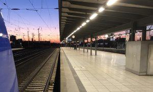 ©Foto: Andreas Kern | railmen | Nordwestbahn RS1 in Richtung Vegesack beim Stopp in Bremen Hbf