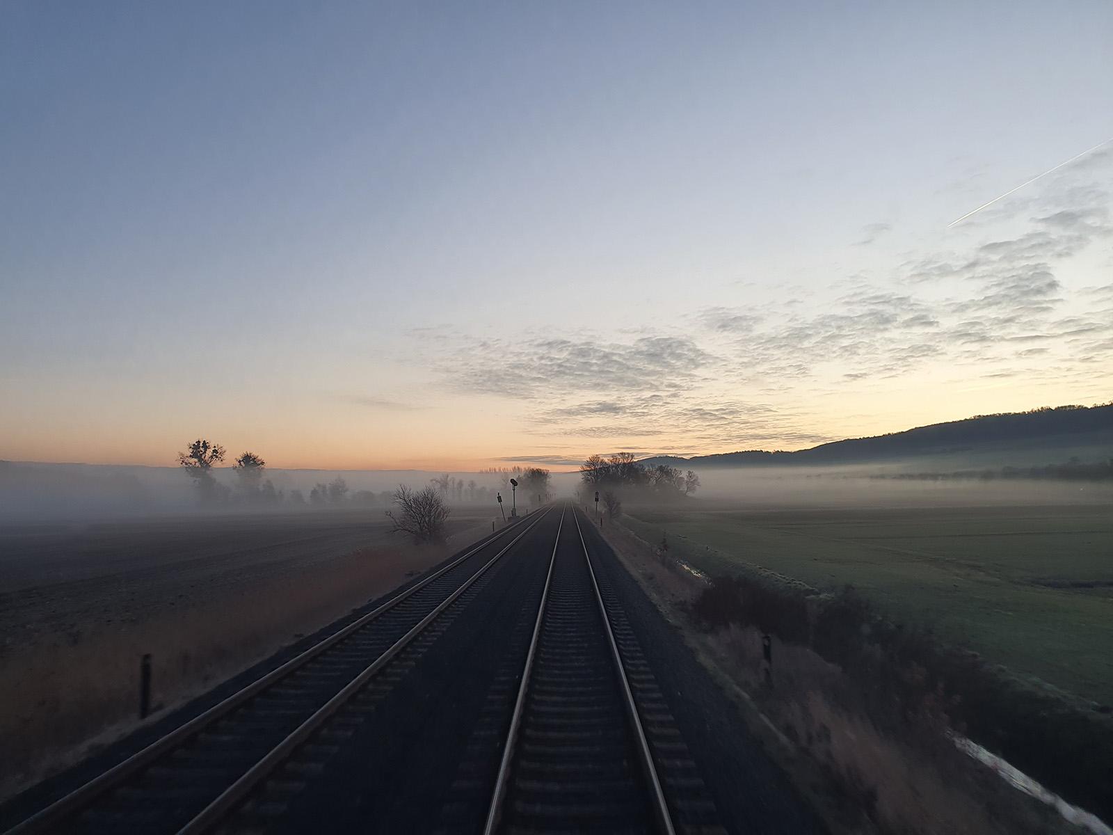 ©Foto: Daniel Grenzdörfer | railmen | Das Foto ist auf der Fahrt nach Hannover mit der RE10 Bad Harzburg-Hannover mit einem Lint 54, zwischen Bhf Goslar und den Bhf Salzgitter-Ringelheim, entstanden.