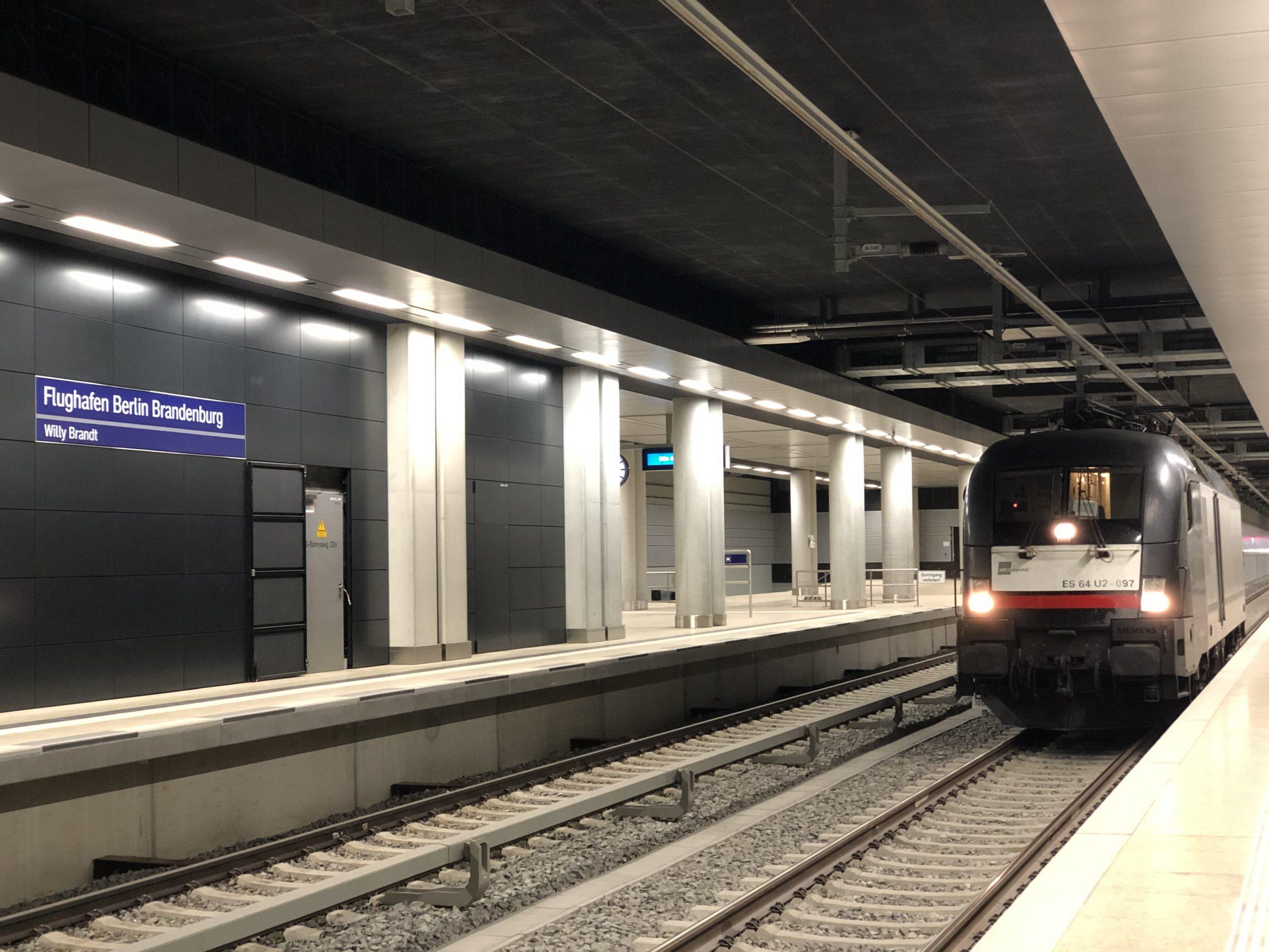 ©Foto: Jan Krehl | railmen | Bahnhof am Flughafen Berlin Brandenburg | railmen ist als einer der ersten mit am Start