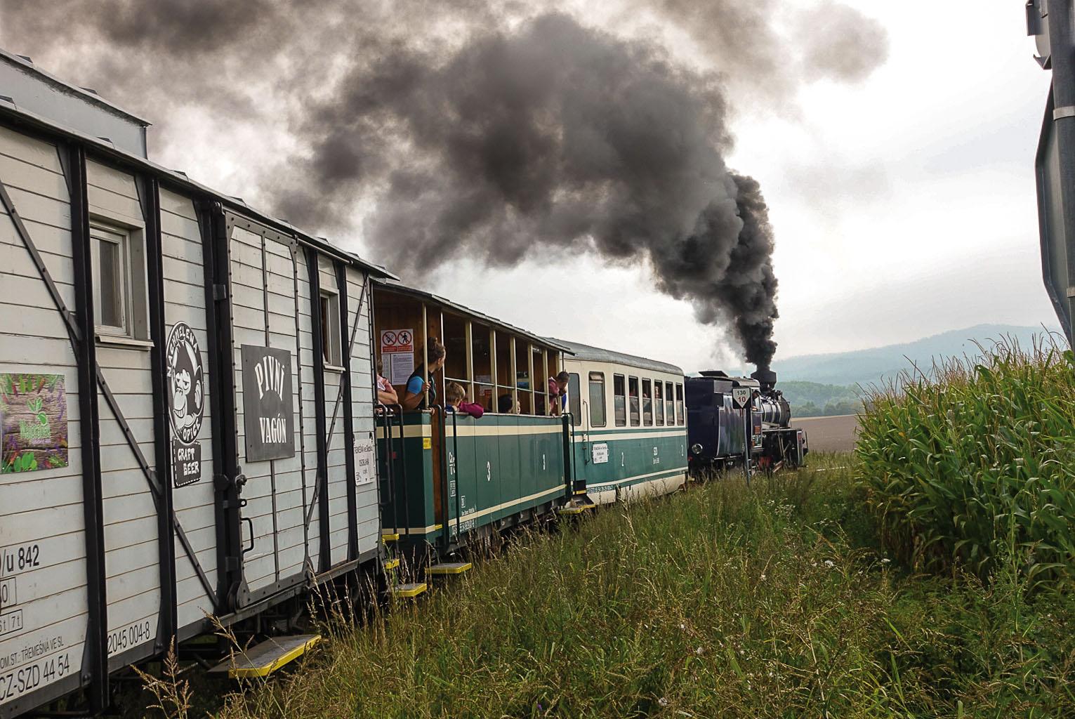 ©Foto: Jan Krehl   railmen   Räuber, Bögen, schmale Gleise – seit über 122 Jahren erschließt eine Schmalspurbahn den nordöstlichsten Zipfel Tschechiens zwischen Tremsna und Osoblaha (Röwersdorf-Hotzenplotz).