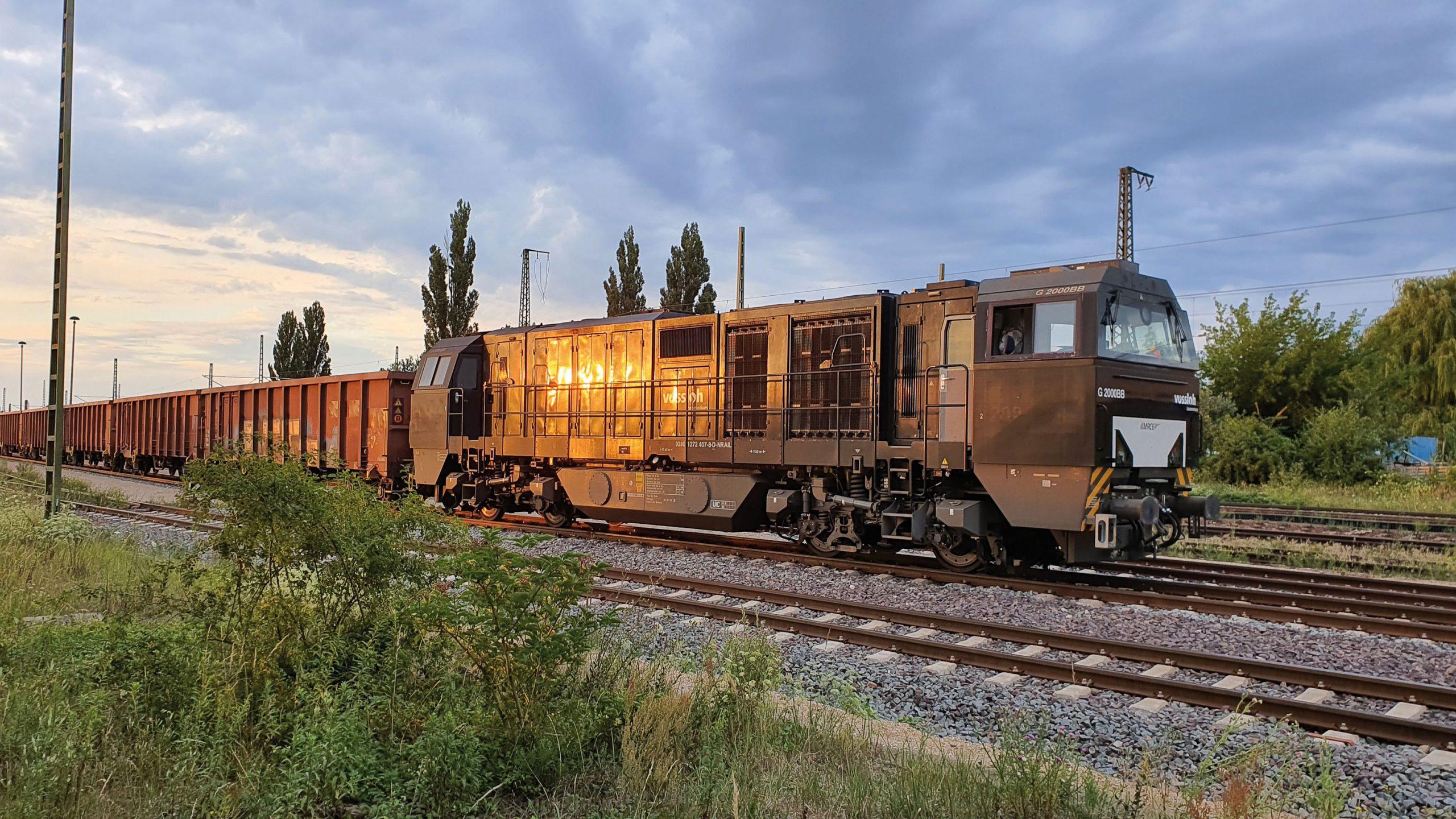 ©Foto: Marco Dobe   railmen   Die Vossloh G2000BB ist die stärkste Dieselhydraulische Lok der Vossloh Locomotives GmbH und wird von der Triangula Logistik GmbH auf der Strecke Bad Kösen-Eberswalde eingesetzt.